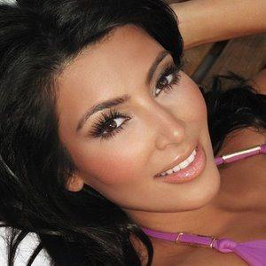 Idol White Teeth Whitening – Kim Kardashian Smile